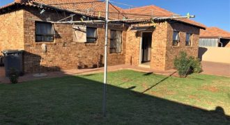 3 Bedroom Townhouse in Secure Complex for Sale