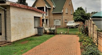 3 Bedroom House with 3 bedroom Flatlet in Carletonville